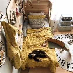Plume Monkey bedding set